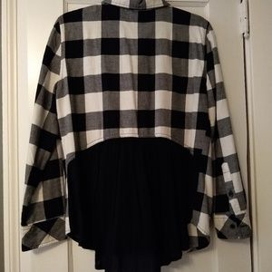 Long sleeved front pocket button down shirt